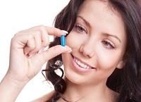 Какие витамины пить при выпадении волос у женщин и мужчин