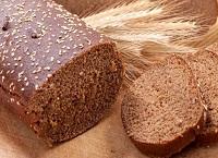 Маска из черного хлеба для роста волос и придания объема