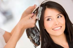 Как происходит процесс брондирования на темные волосы