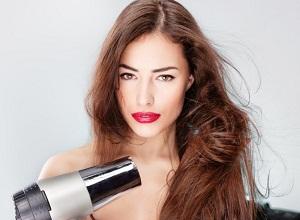 Как правильно ухаживать за тонкими и жирными волосами?