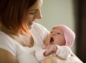 Как рождение ребенка влияет на потерю волос у женщин