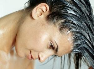 Как неправильный уход влияет на потерю волос у женщин