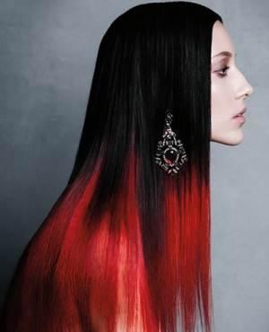 Как выглядит Омбре на темные волосы красное