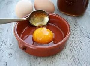Как приготовить маску на основе масла, лимона и яичного желтка