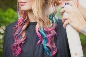 Какое женское мнение о цветных мелках для волос