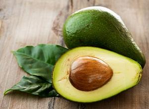Как приготовить маску с авокадо и яйцом для сухих волос