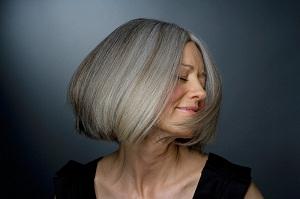 Какие оттенки в палитре краски Эстель для седых волос?