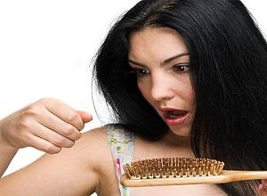 Почему выпадают волосы у женщин в возрасте 40 лет