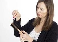 Причины выпадения волос у женщин 30 лет связанные с внутренними факторами