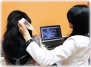 Какие рекомендации врача-трихолога против жирности волос
