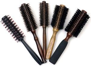 Как с помощью расчески придать объем волосам