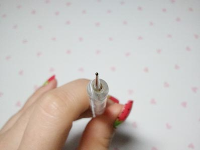 легкий рисунок на ногтях