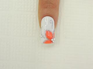 рисунки цветов на ногтях