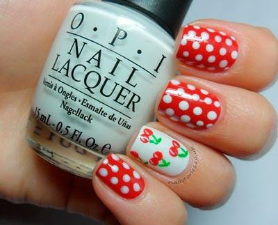вишни на ногтях