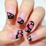Френч с розами на ногтях