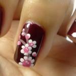 Учимся рисовать цветы на ногтях