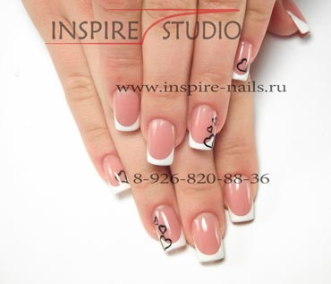 фото наращивание ногтей белый френч с рисунком