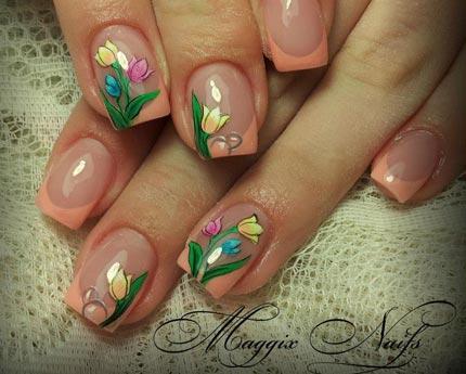 французский маникюр с цветами