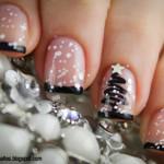 Новогодний дизайн ногтей с снежком