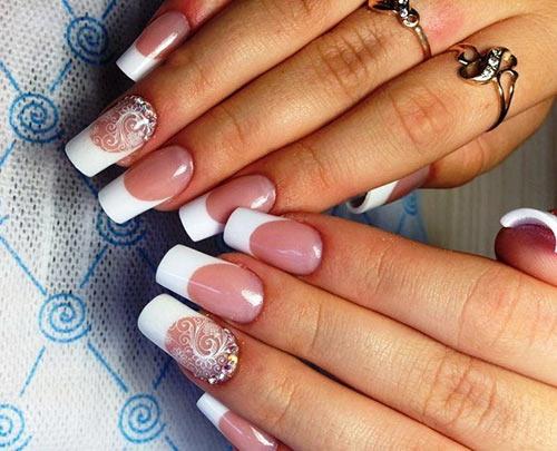 Белое кружево на ногтях