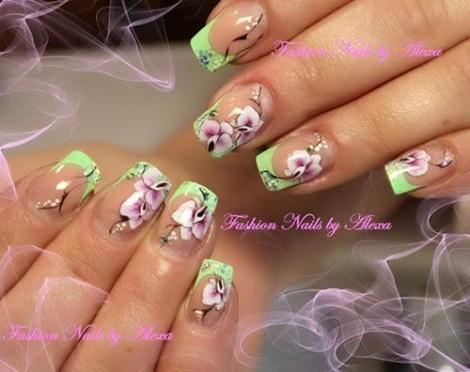 Маникюр с орхидеей