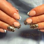 Объемный дизайн ногтей с зеркальным эффектом